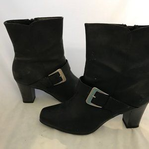 Black Boots - Size 7 - NEW - Predictions